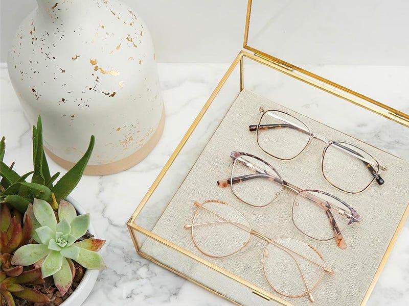 เลือกซื้อแว่นสายตาออนไลน์