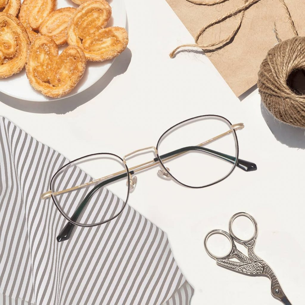 ซื้อแว่นสายตาออนไลน์