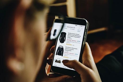 การซื้อเสื้อผ้าจากโลกออนไลน์ มีความเสี่ยง