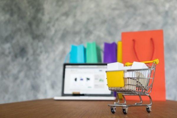 ช็อปปิ้งออนไลน์ กับพฤติกรรมการซื้อสินค้าของคนไทยในยุค New Normal