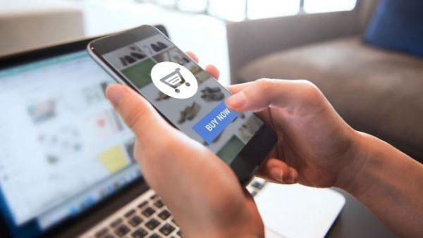 การช้อปปิ้งออนไลน์ ดีกว่า การช้อปปิ้งตามร้านค้า จริงหรือไม่? และแตกต่างกันอย่างไร