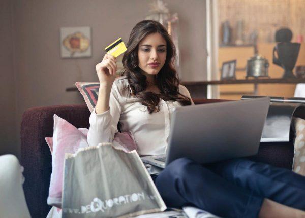 ข้อควรระวังในการช้อปปิ้งออนไลน์ ควรจะพิจารณาให้รอบคอบก่อนตัดสินใจสั่งซื้อ